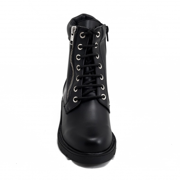 woman vegan boots