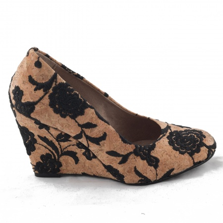 Woman vegan wedge shoe cork