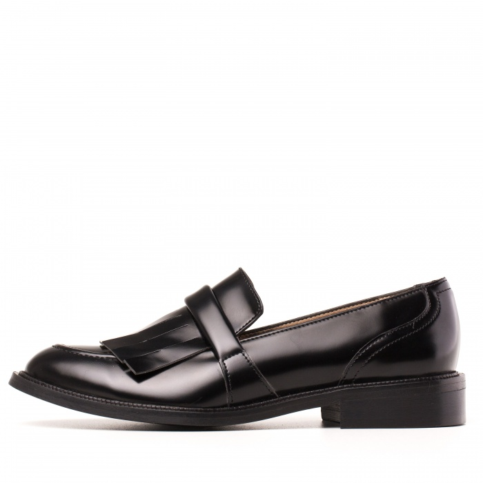 Woman Vegan Loafer fringes