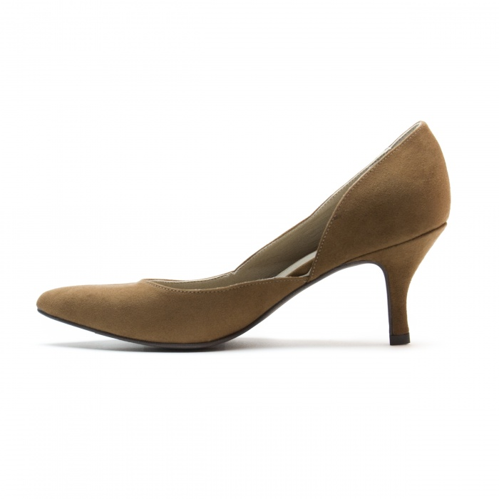woman vegan dorsay shoe