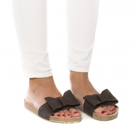 Woman vegan sandal piñatex pineapple cork