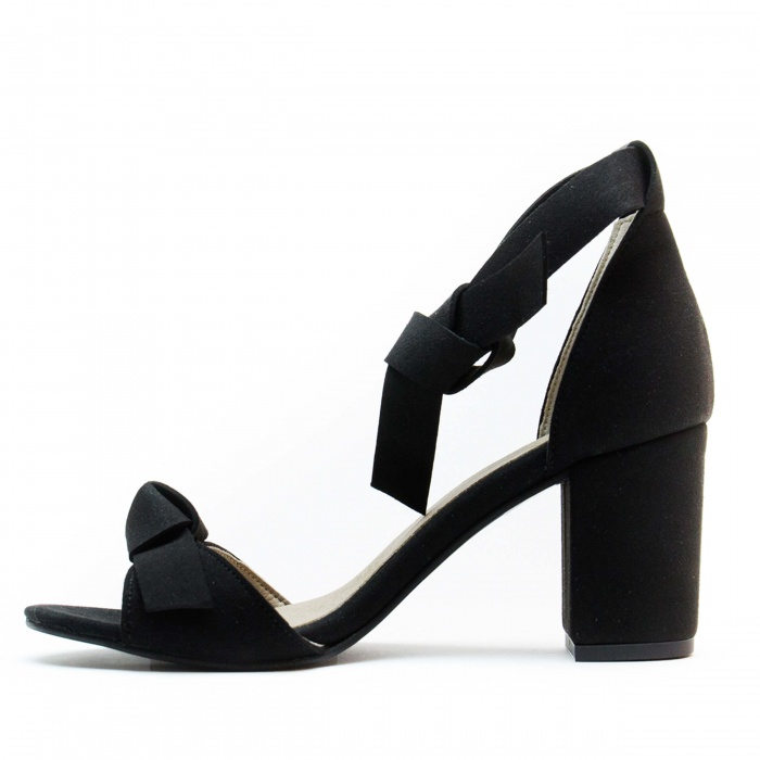Estela Black Woman vegan ankle strap sandal block heel