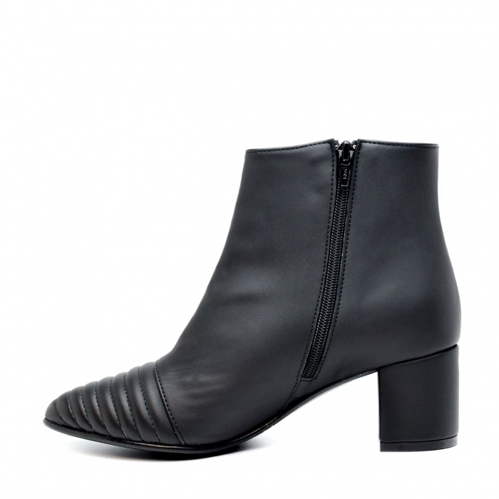 Marta Black woman vegan ankle boots block heel