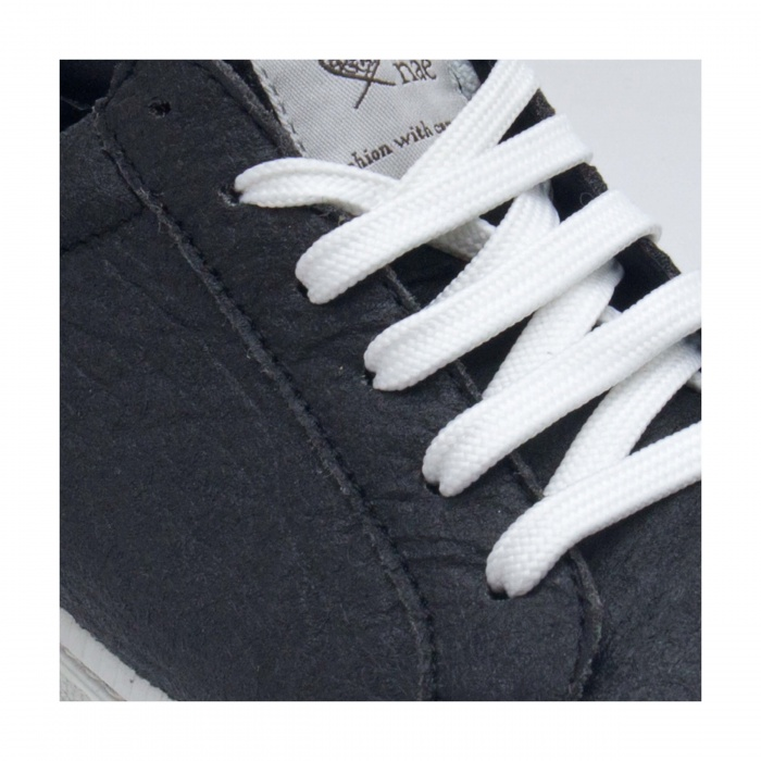 Basic Black Piñatex vegan sneakers man woman pineapple pinatex laces