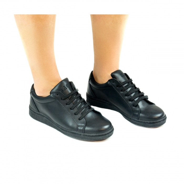 Basic Micro Black unisex vegan sneakers