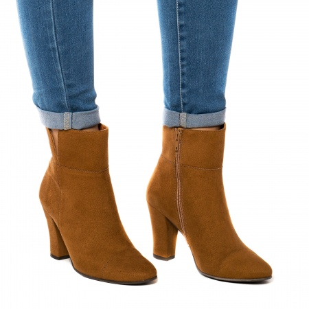Vegan ankle boots woman