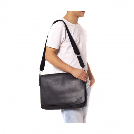 davi black messenger cross bag man woman vegan unisex